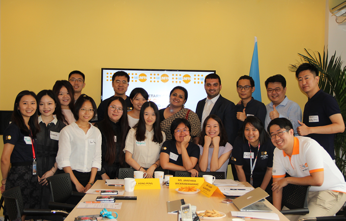 Chinese young leaders with the UN Youth Envoy during a luncheon at UNFPA China Office on 1 August 2018.